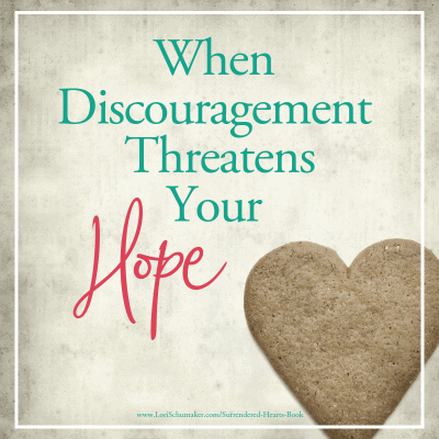 When Discouragement Threatens Your Hope {#MomentsofHope Link-Up}